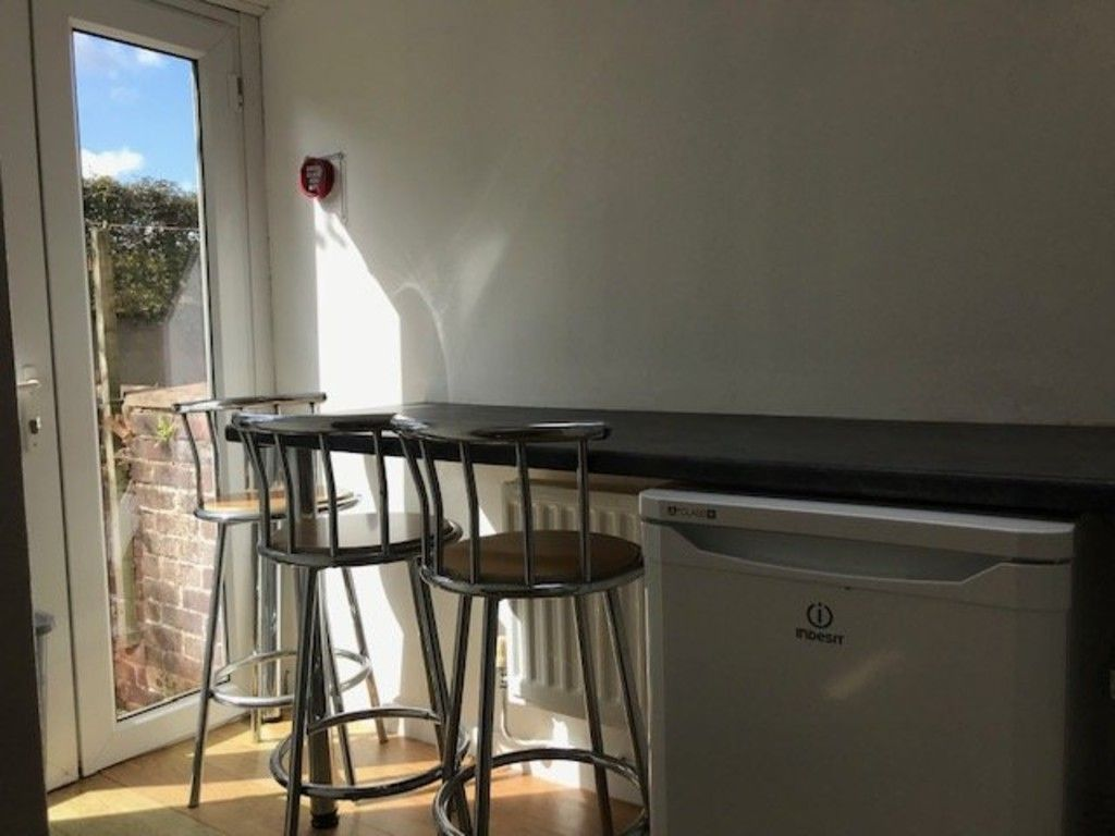 5 bed house to rent in King Edward Street 3