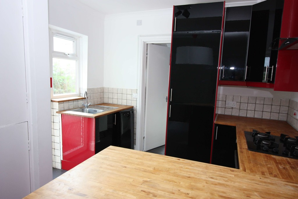 2 bed flat to rent in Leighton Terrace, Exeter  - Property Image 4