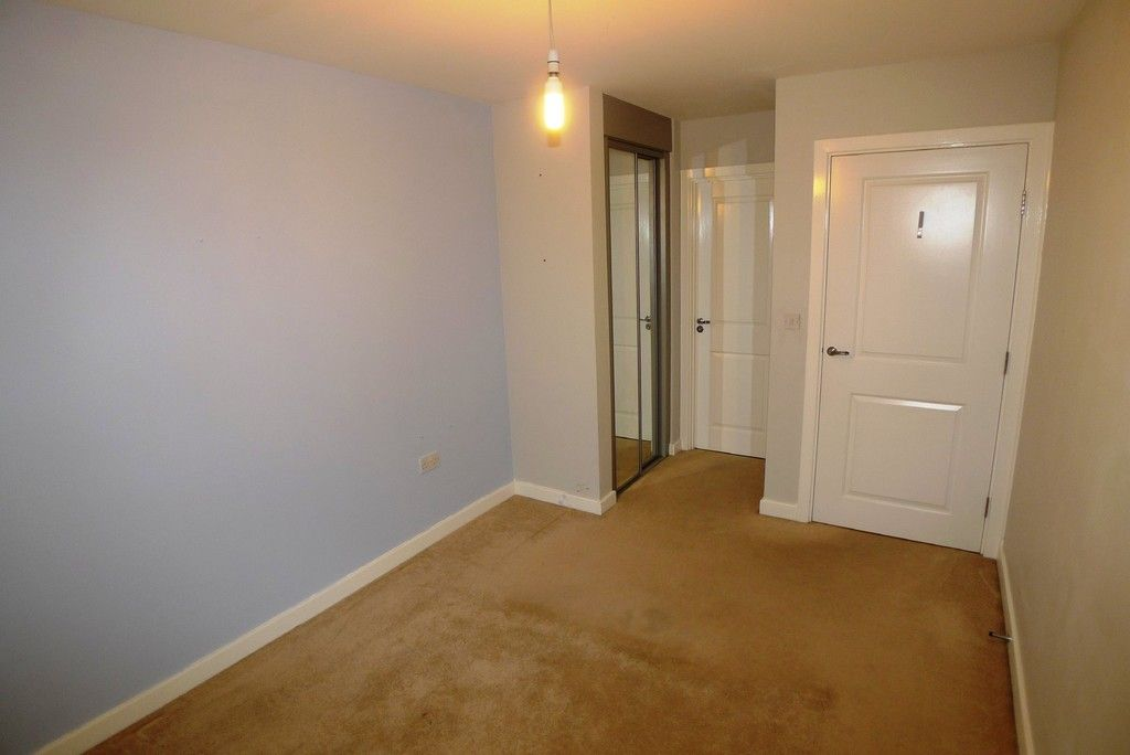 2 bed flat to rent in Clydesdale Way, Belvedere, DA17 9