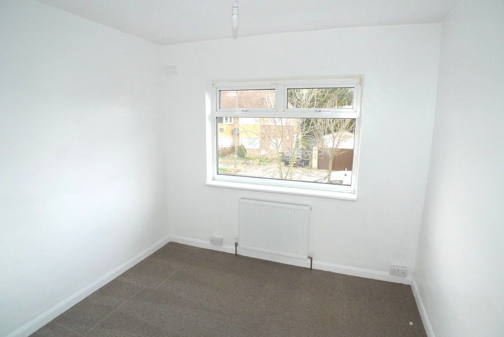 2 bed flat to rent in Maylands Drive, Sidcup, DA14 7