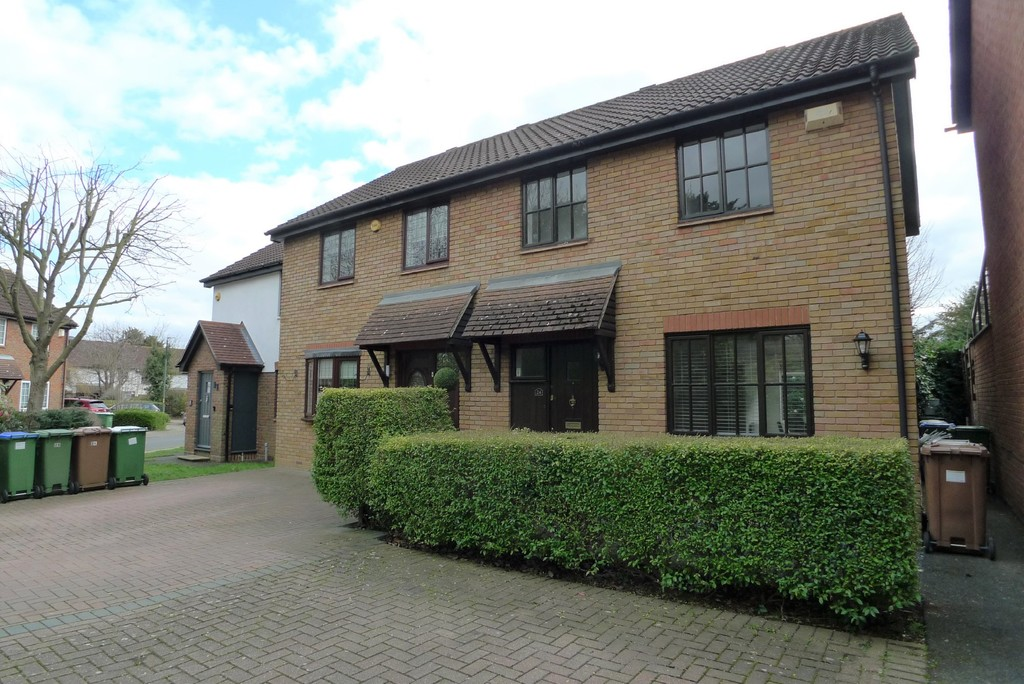 3 bed house to rent in Larch Grove, The Hollies, DA15  - Property Image 1