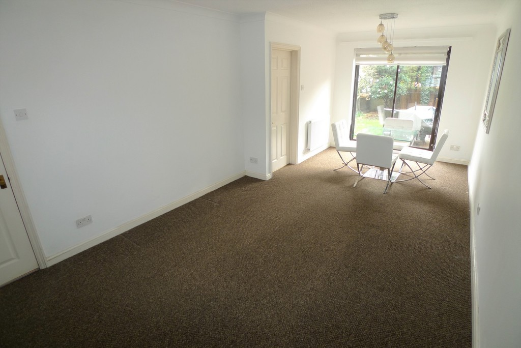 3 bed house to rent in Larch Grove, The Hollies, DA15 2