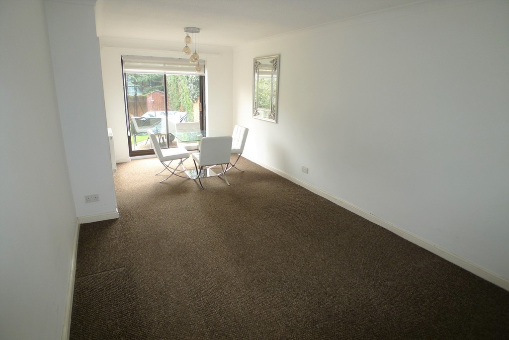 3 bed house to rent in Larch Grove, The Hollies, DA15 7