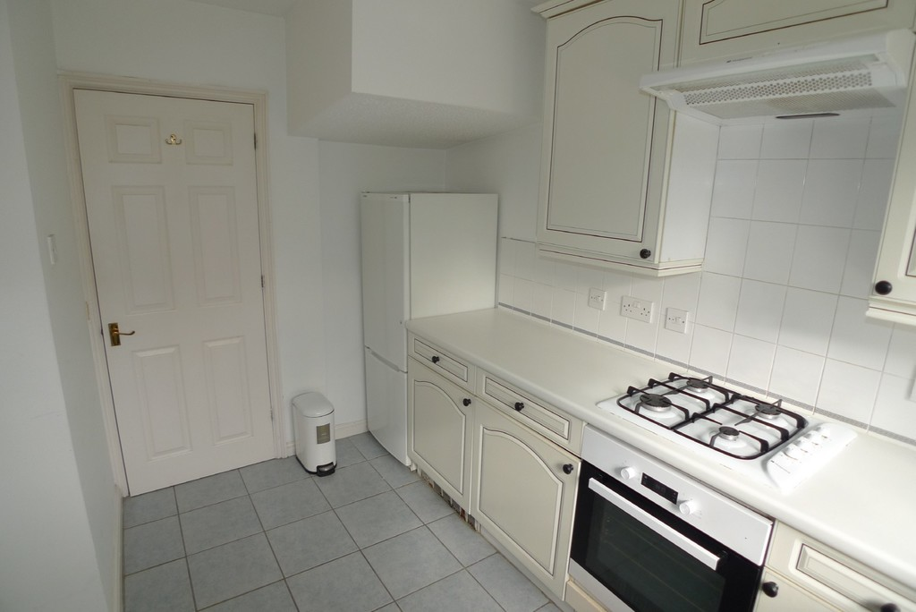 3 bed house to rent in Larch Grove, The Hollies, DA15 9