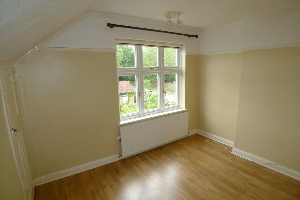 3 bed house to rent in Mayday Gardens, London, SE3  - Property Image 11