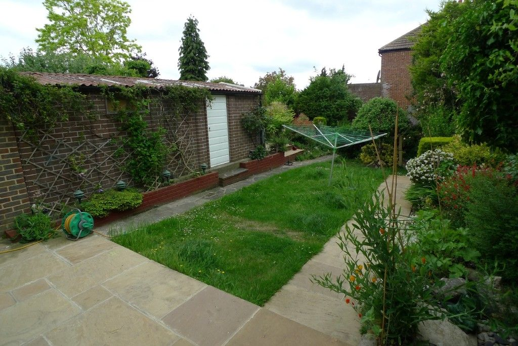3 bed house to rent in Mayday Gardens, London, SE3  - Property Image 13