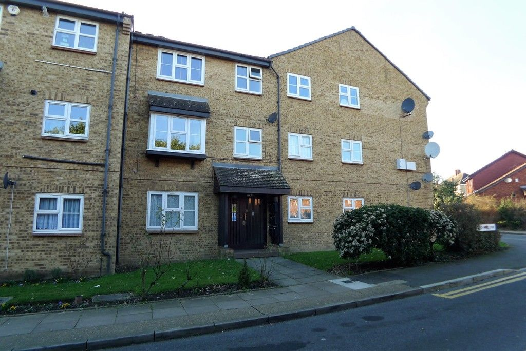1 bed flat to rent in Parish Gate Drive, Sidcup, DA15, DA15