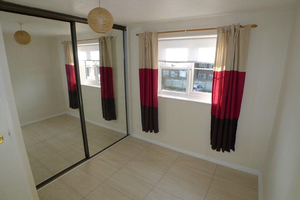 1 bed flat to rent in Parish Gate Drive, Sidcup, DA15 5