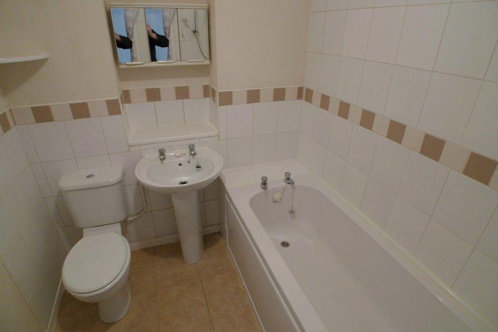 1 bed flat to rent in Parish Gate Drive, Sidcup, DA15 6