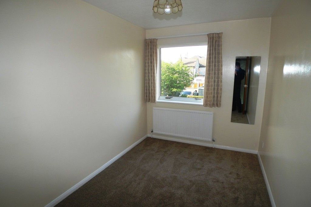 2 bed flat to rent in Station Road, Sidcup, DA15 8