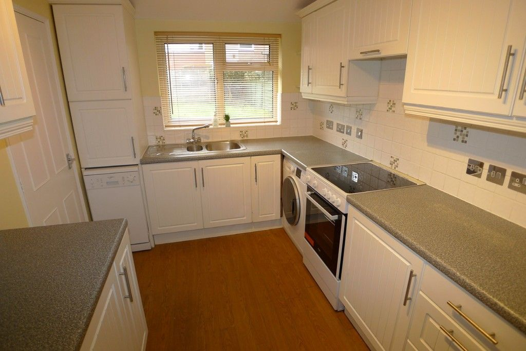 3 bed house to rent in West Woodside, Bexley, DA5 3