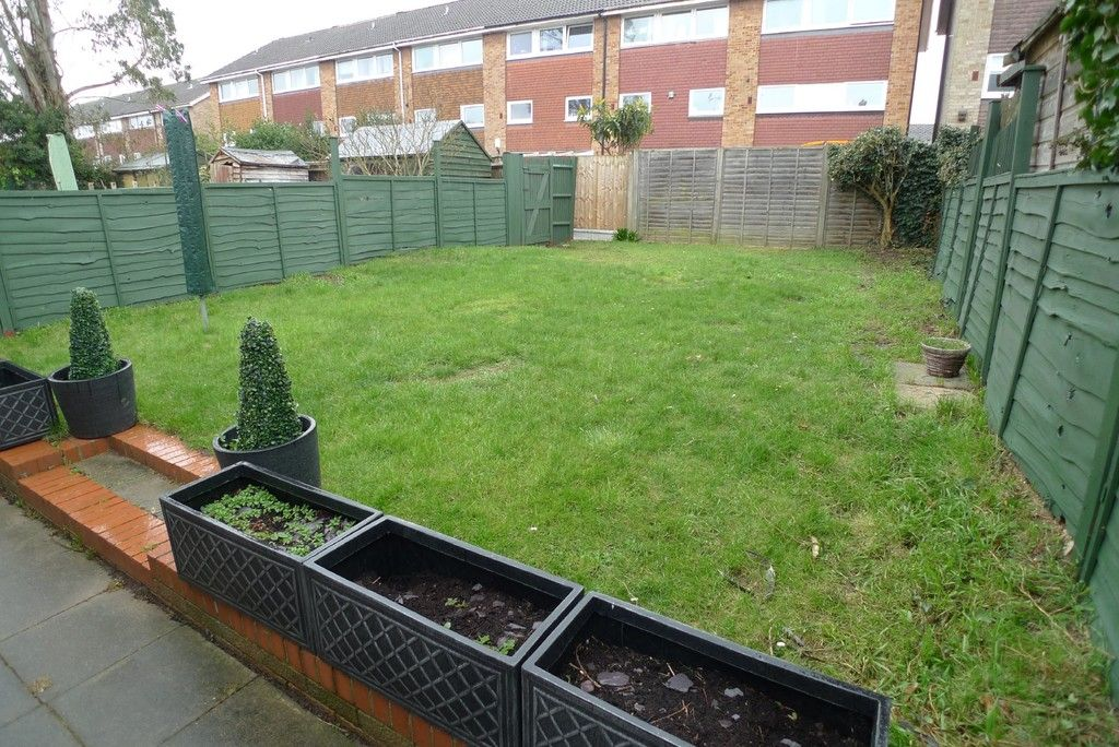 3 bed house to rent in West Woodside, Bexley, DA5 6
