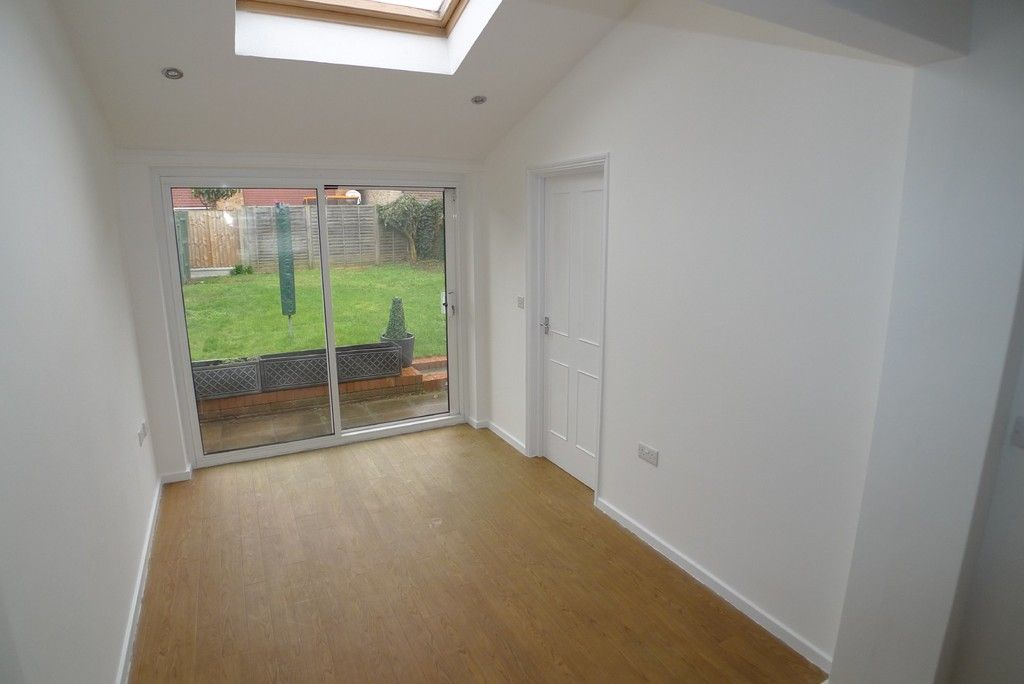 3 bed house to rent in West Woodside, Bexley, DA5 8