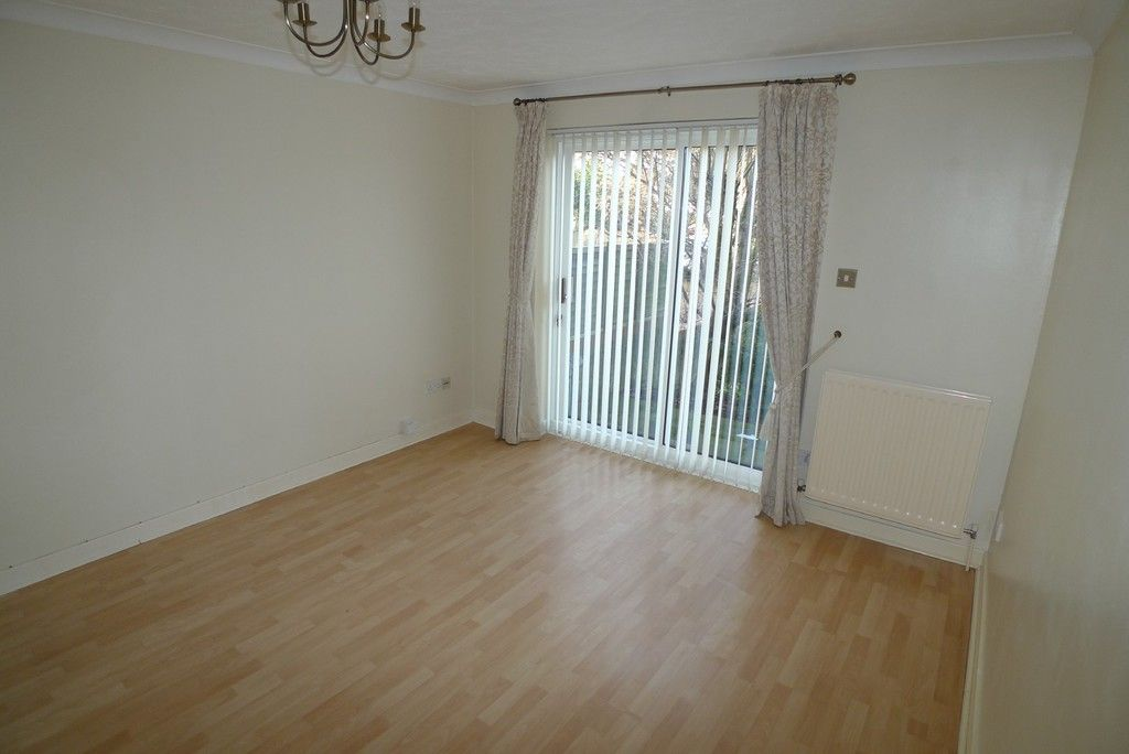 1 bed flat to rent in Manor Road, Sidcup, DA15 2