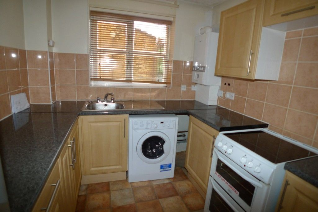 1 bed flat to rent in Manor Road, Sidcup, DA15 4