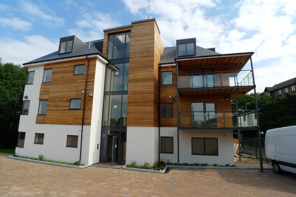 2 bed flat to rent in Wickham Street, Welling, DA16 1