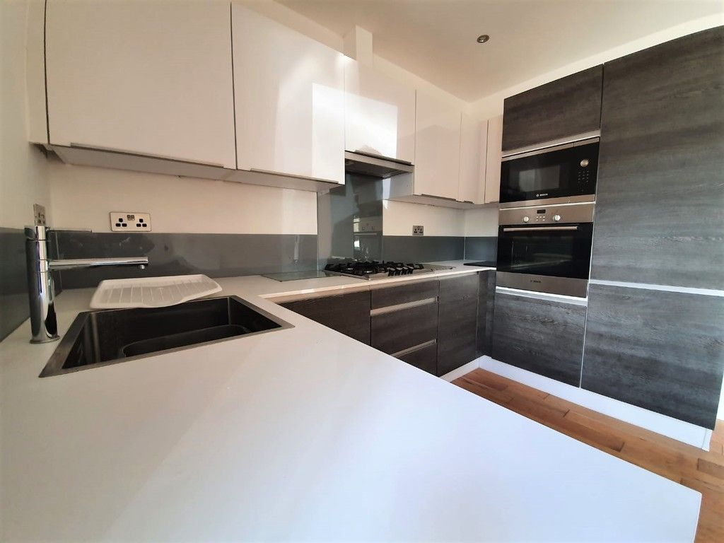2 bed flat to rent in Wickham Street, Welling, DA16  - Property Image 3