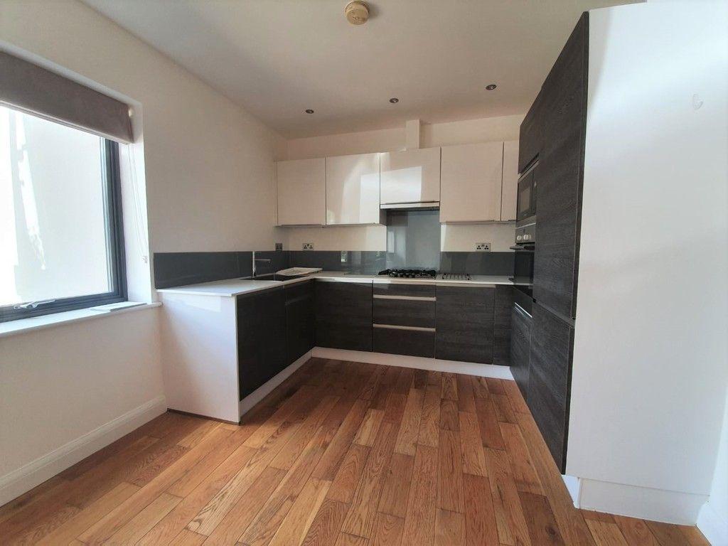2 bed flat to rent in Wickham Street, Welling, DA16 4