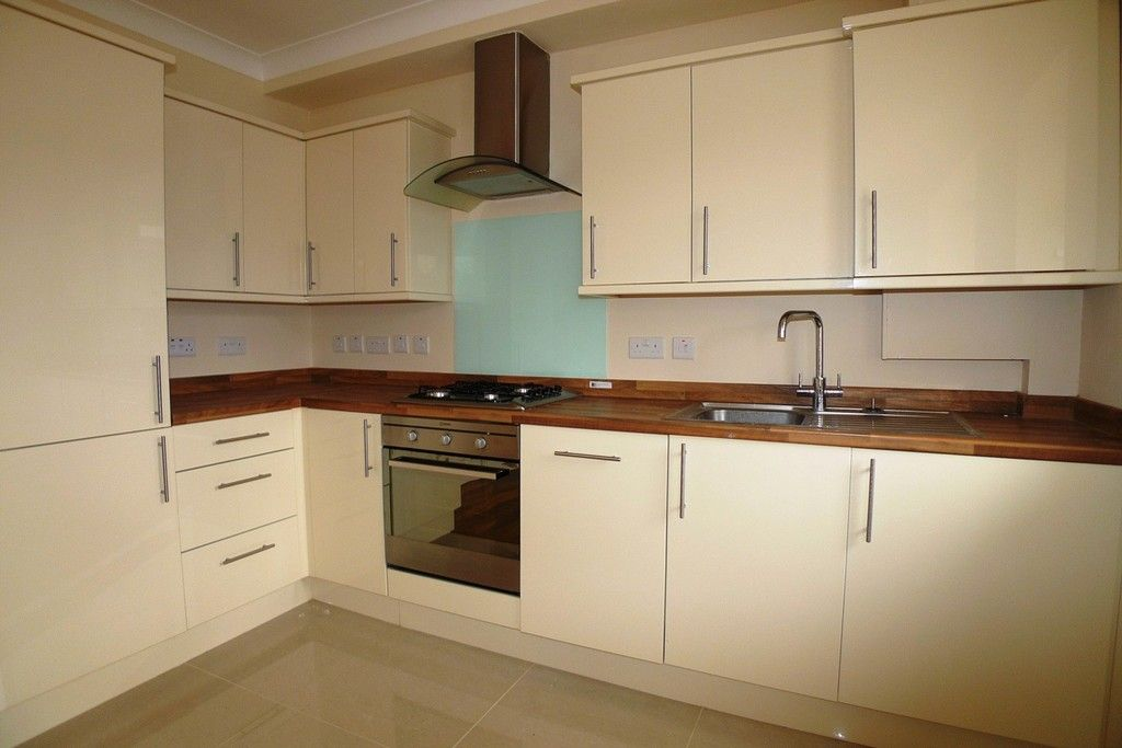 2 bed flat to rent in Lewis Road, Sidcup, DA14 3