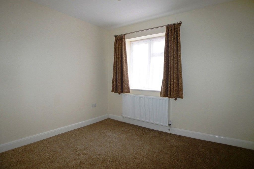 2 bed flat to rent in Lewis Road, Sidcup, DA14 10