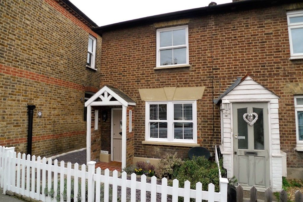 2 bed house to rent in Park Road, Chislehurst, BR7 1