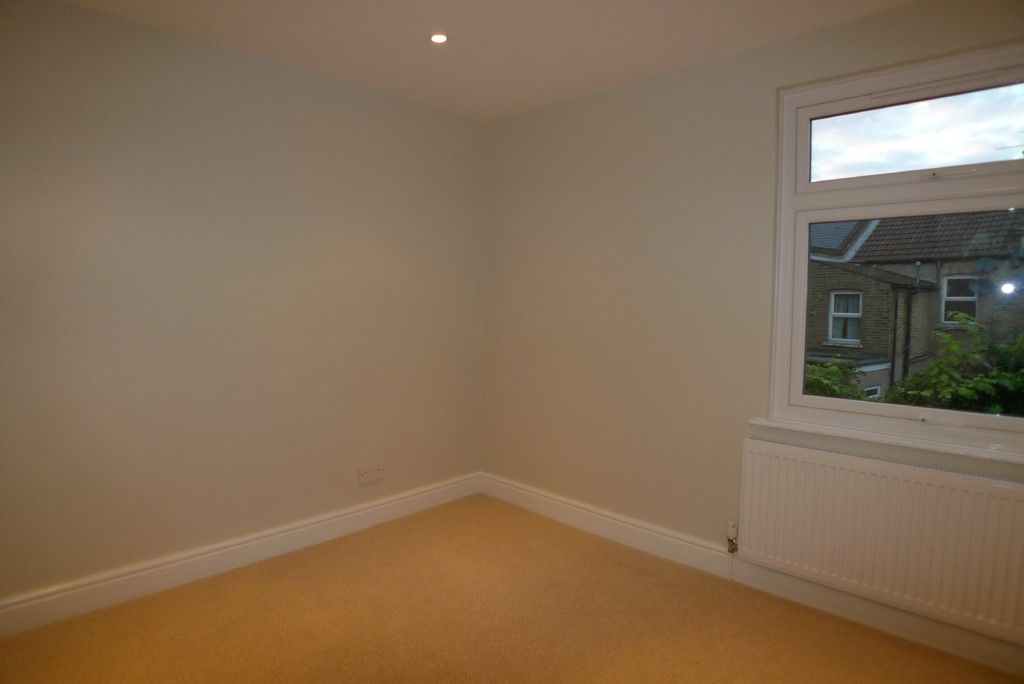 2 bed house to rent in Park Road, Chislehurst, BR7 12