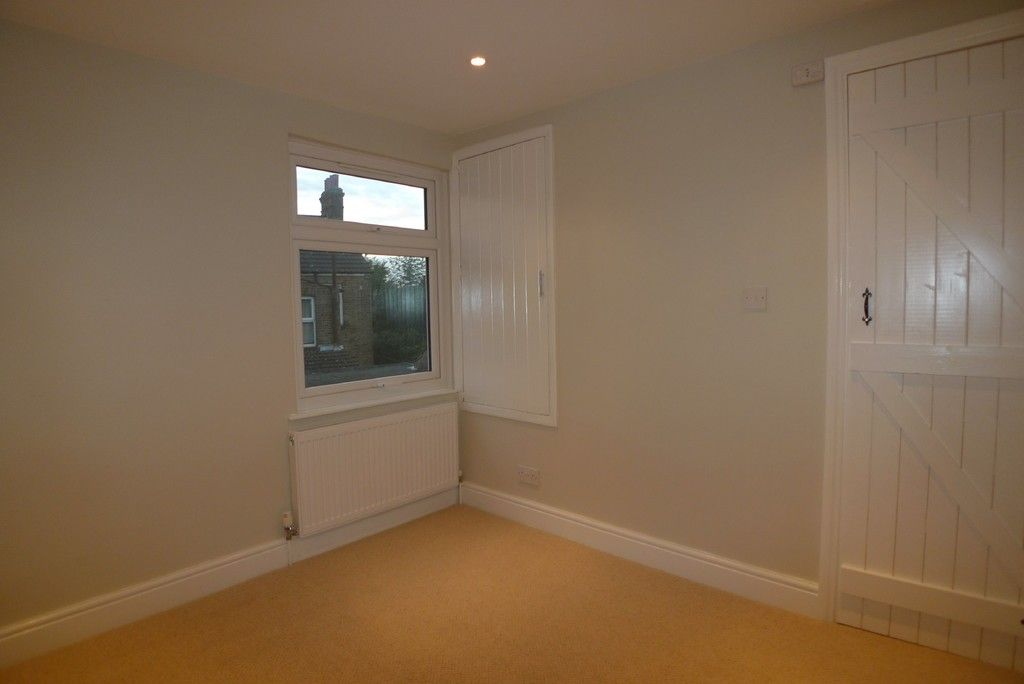 2 bed house to rent in Park Road, Chislehurst, BR7 13