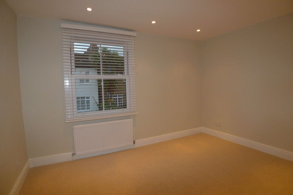 2 bed house to rent in Park Road, Chislehurst, BR7 4