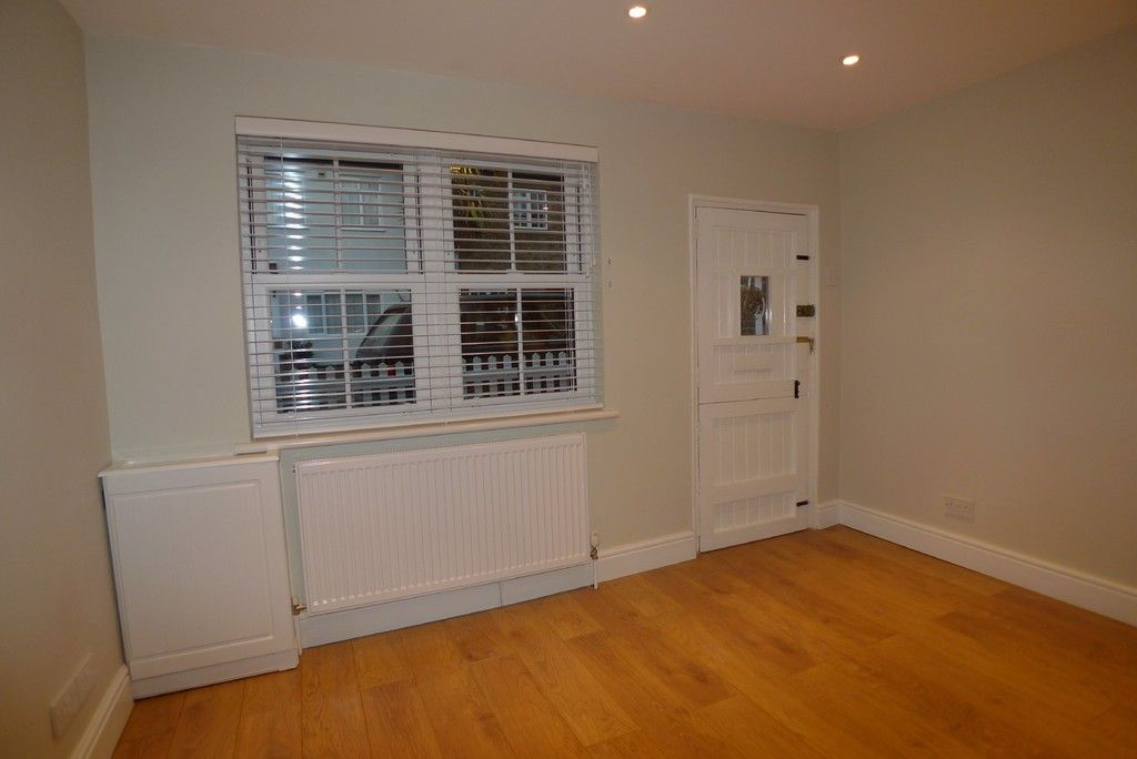 2 bed house to rent in Park Road, Chislehurst, BR7 7