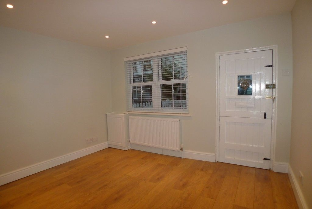 2 bed house to rent in Park Road, Chislehurst, BR7 8