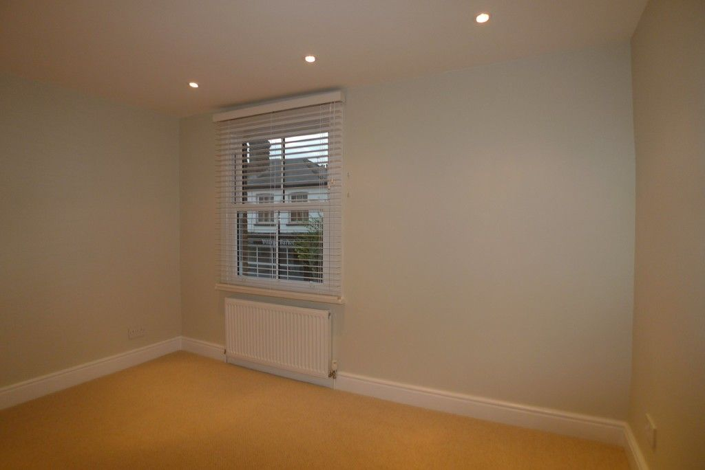 2 bed house to rent in Park Road, Chislehurst, BR7 10