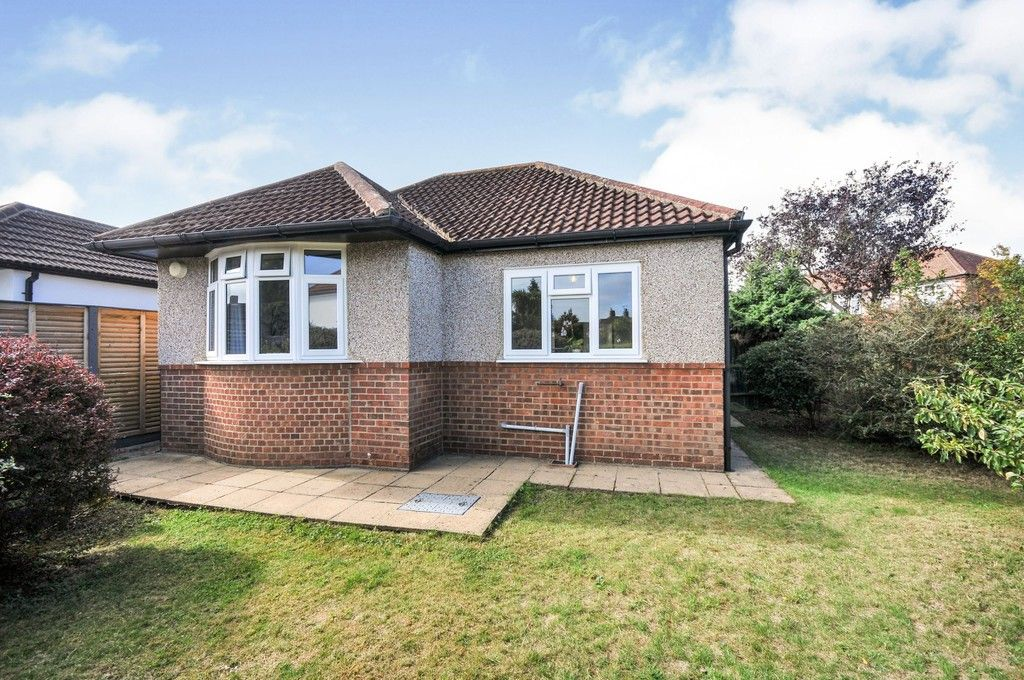 2 bed bungalow for sale in Onslow Drive, Sidcup, DA14 - Property Image 1