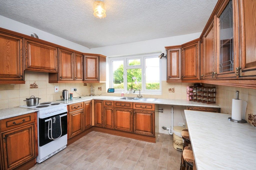 2 bed bungalow for sale in Onslow Drive, Sidcup, DA14  - Property Image 3