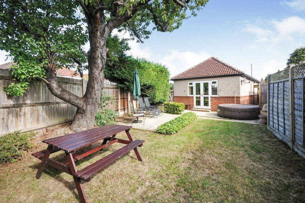 2 bed bungalow for sale in Onslow Drive, Sidcup, DA14  - Property Image 6
