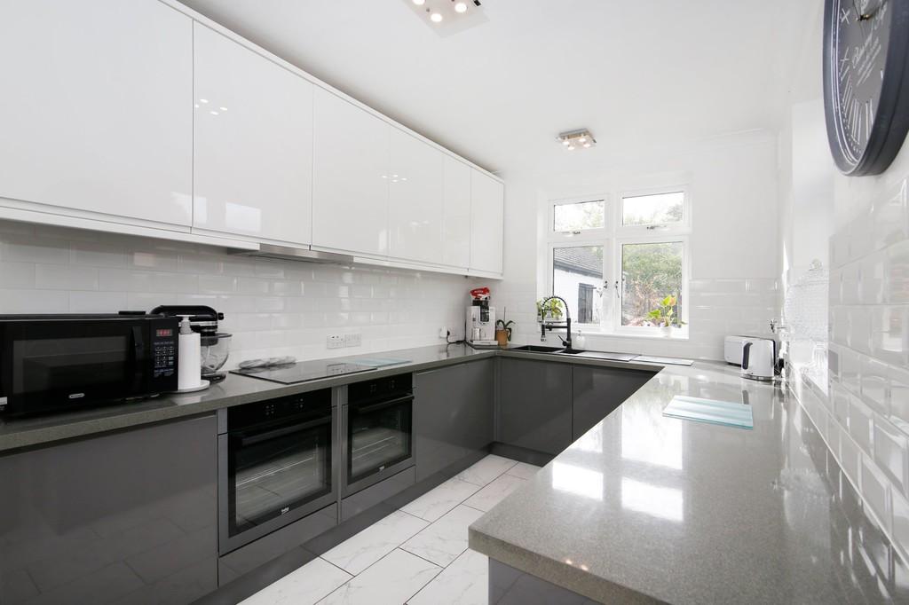 3 bed house for sale in Burnt Oak Lane, Sidcup, DA15  - Property Image 14