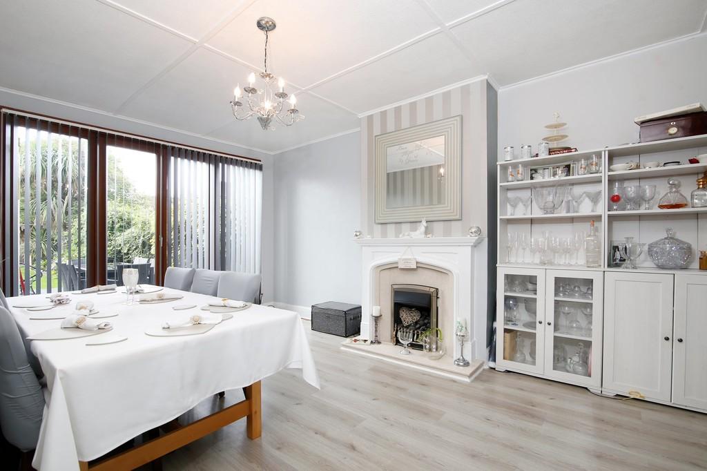3 bed house for sale in Burnt Oak Lane, Sidcup, DA15  - Property Image 3
