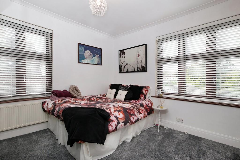 3 bed house for sale in Burnt Oak Lane, Sidcup, DA15  - Property Image 6