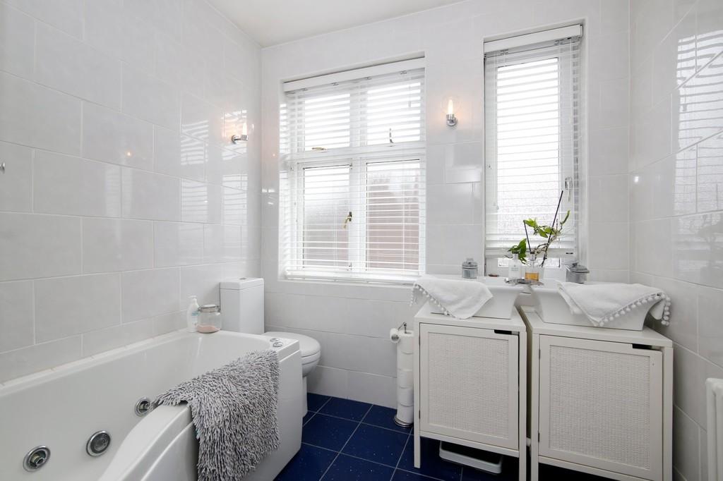 3 bed house for sale in Burnt Oak Lane, Sidcup, DA15  - Property Image 7