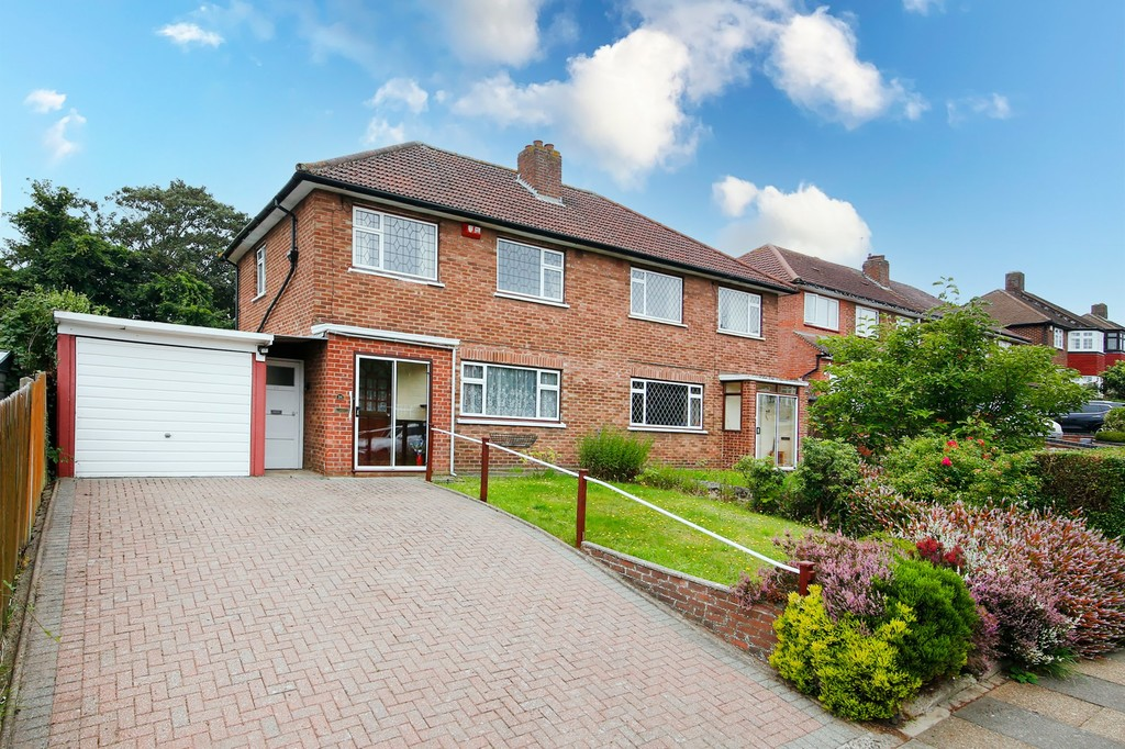 3 bed house for sale in Royal Road, Sidcup, DA14  - Property Image 1
