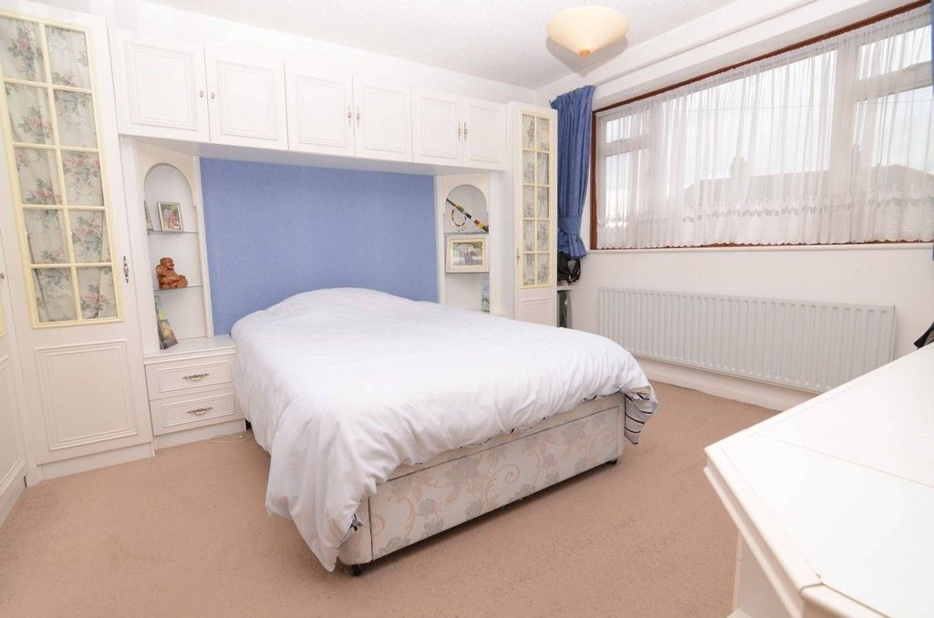 3 bed house for sale in Woodside Crescent, Sidcup, DA15  - Property Image 5