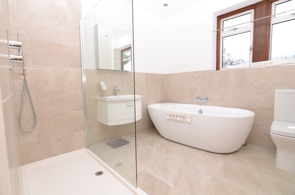 3 bed house for sale in Woodside Crescent, Sidcup, DA15  - Property Image 6
