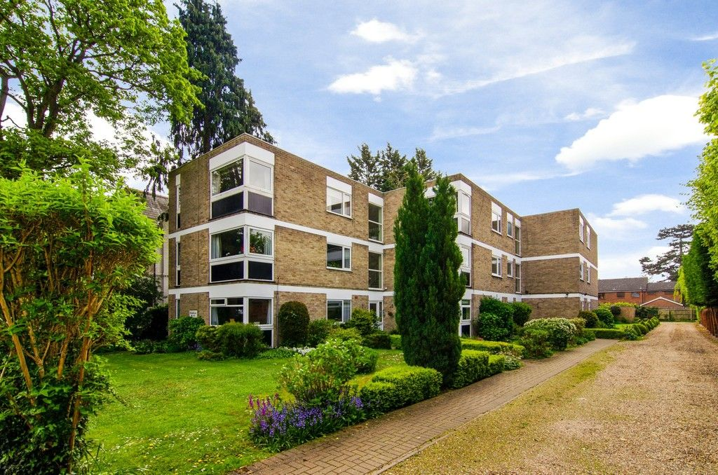 2 bed flat for sale in Manor Park Road, Chislehurst, BR7 - Property Image 1