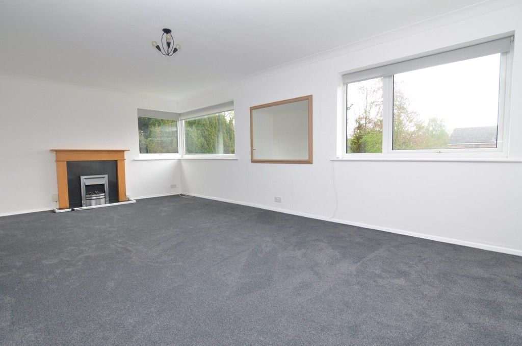 2 bed flat for sale in Manor Park Road, Chislehurst, BR7  - Property Image 2