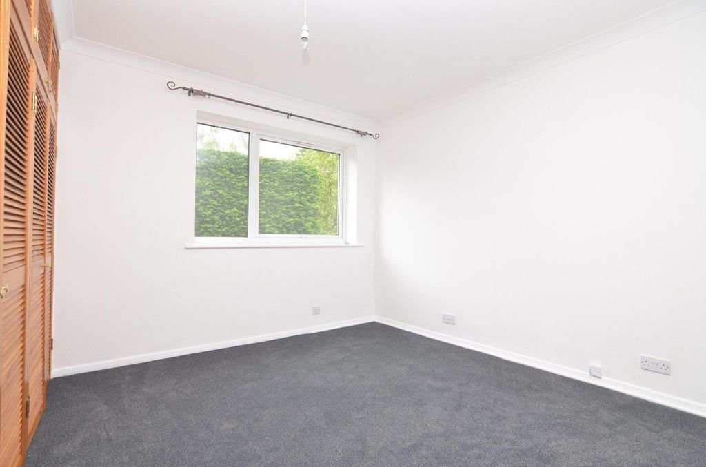 2 bed flat for sale in Manor Park Road, Chislehurst, BR7  - Property Image 4