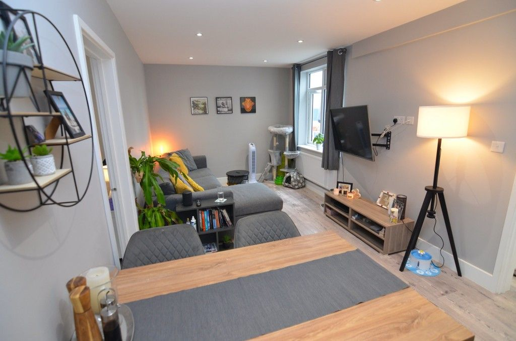 2 bed flat to rent in Station Road, Sidcup, DA15, DA15