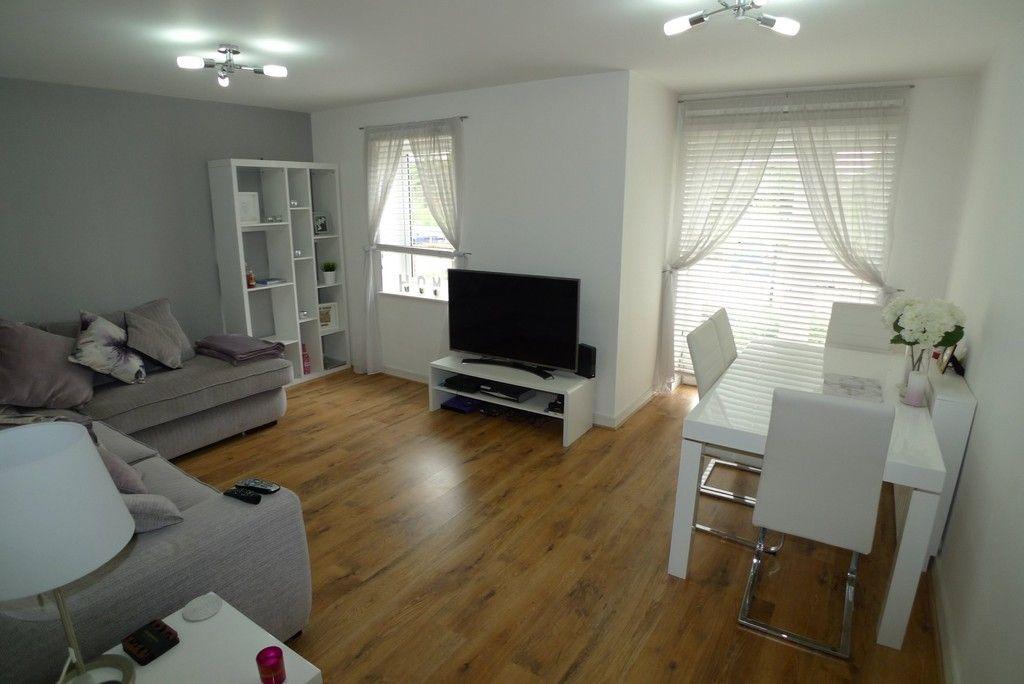 2 bed flat to rent in Samas Way, Crayford, DA1 2