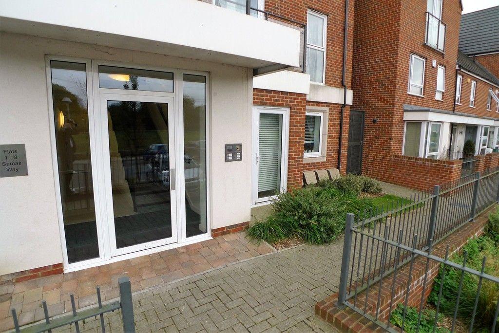 2 bed flat to rent in Samas Way, Crayford, DA1 14