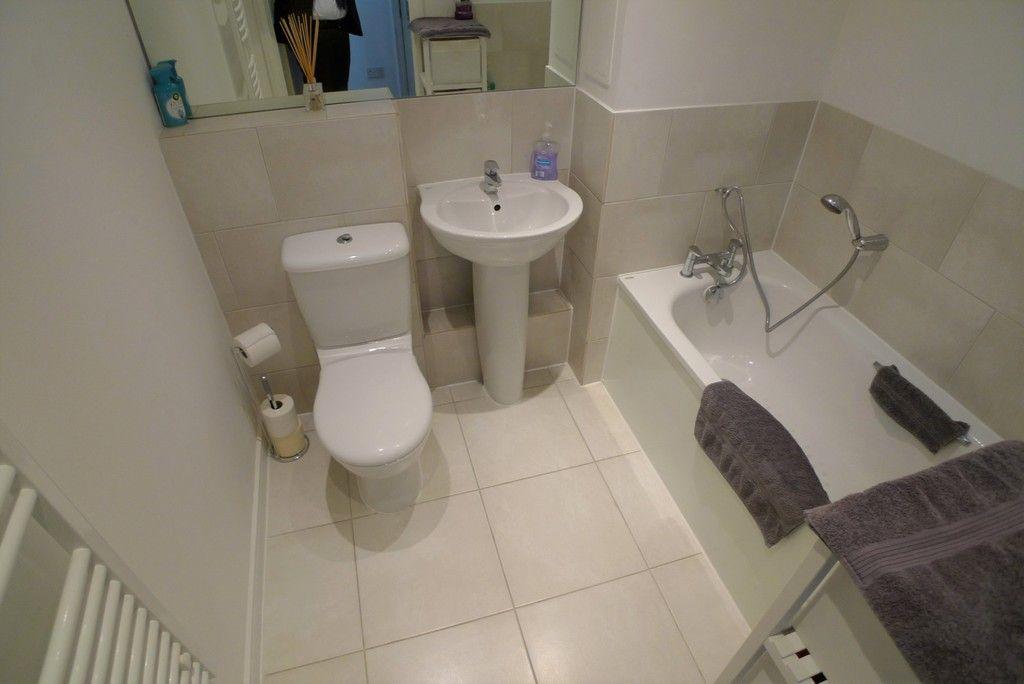 2 bed flat to rent in Samas Way, Crayford, DA1 9