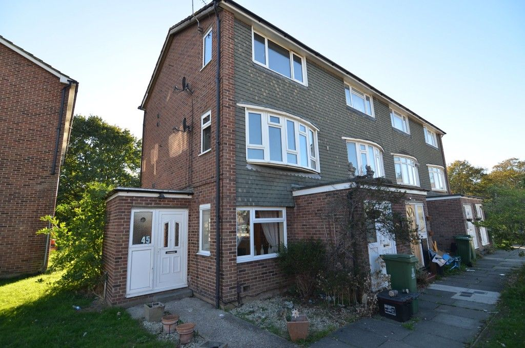 2 bed flat for sale in Woodchurch Close, Sidcup, DA14  - Property Image 2