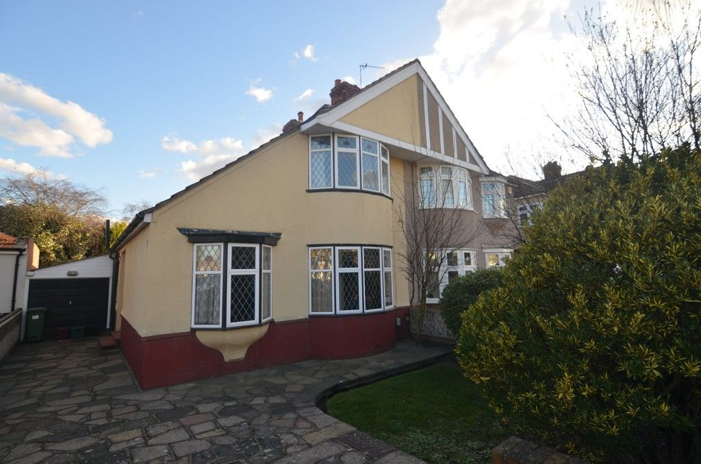 3 bed house for sale in Montrose Avenue, Sidcup, DA15  - Property Image 1